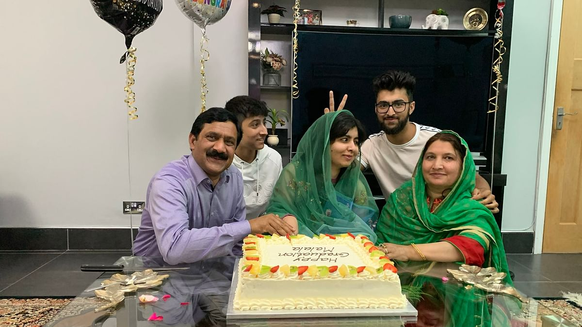 Malala Yousafzai celebrates her graduation with her family (Photo courtesy: Twitter)