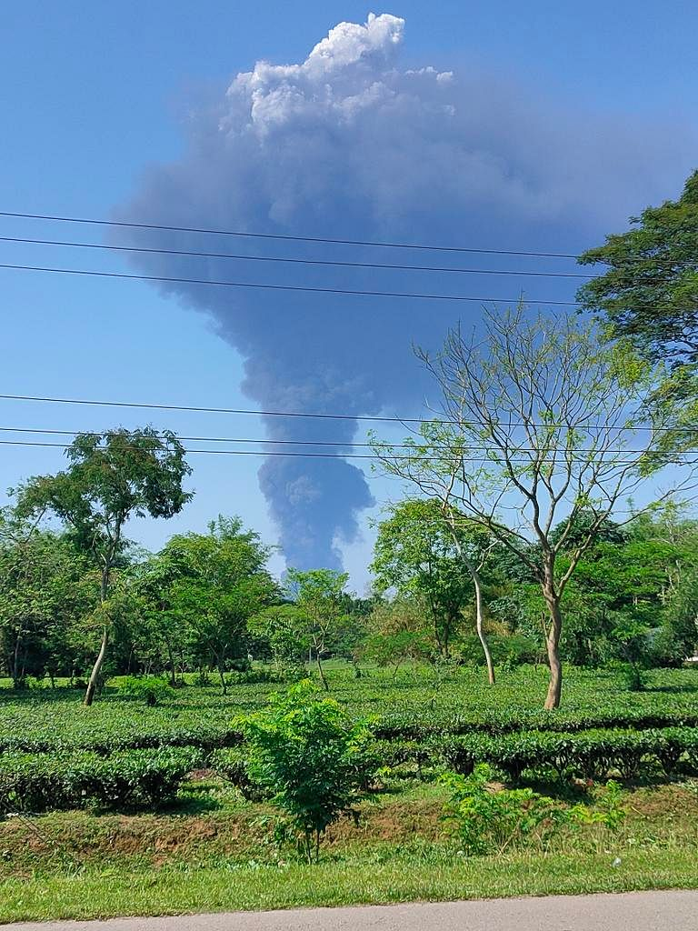 Massive fire in Assam's gas-leaking well, 3,500 in relief camps; CM Sonowal talks to Defence Minister