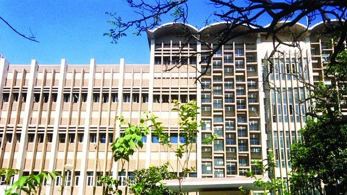 IIT-Bombay to go completely online next semester, other IITs likely to follow suit