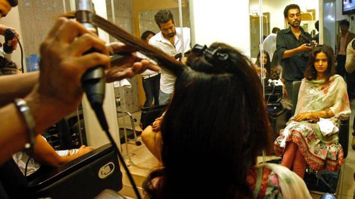 Tamil Nadu: Beauty parlours, saloons, spas told to collect Aadhaar, mobile numbers of customers