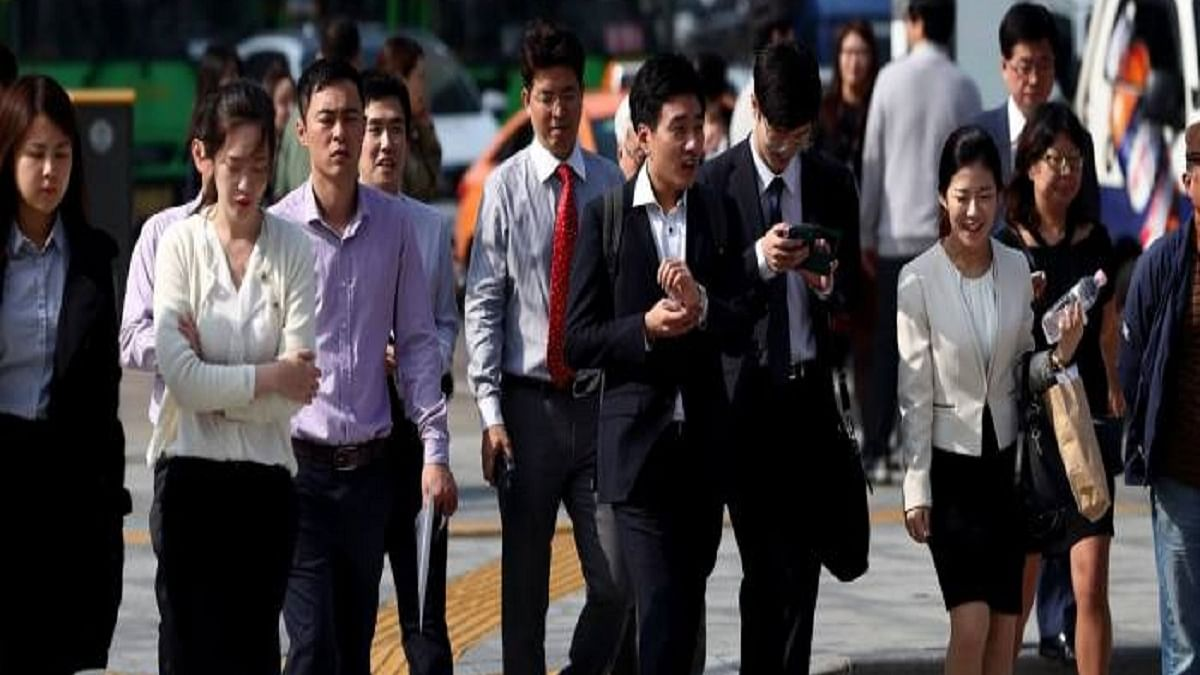 South Korea's unemployment rate surges to 10-year high amid COVID-19