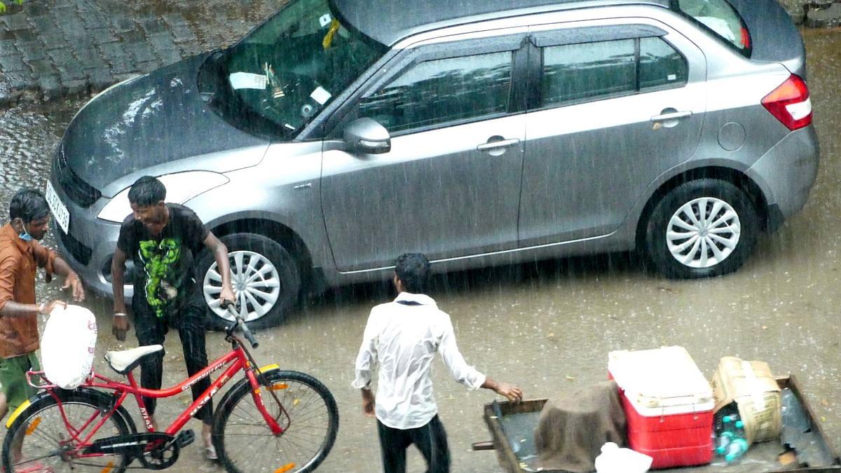 Heavy rains lash Delhi, low-lying areas waterlogged