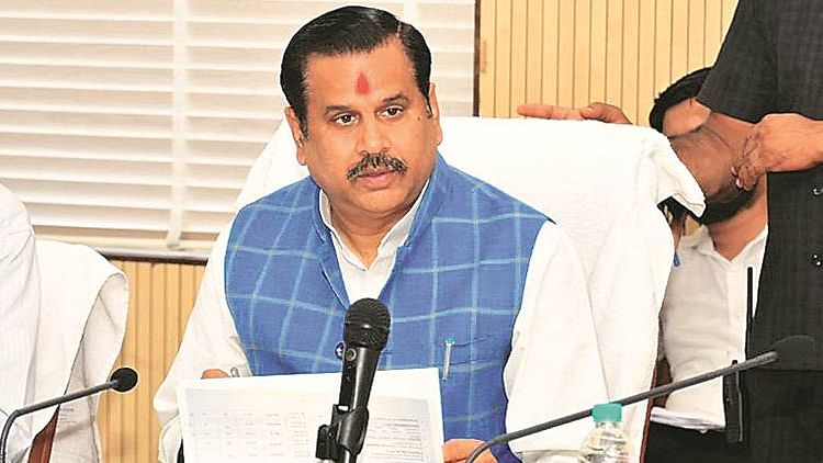 UP minister asks staff to hold 'puja' to contain floods