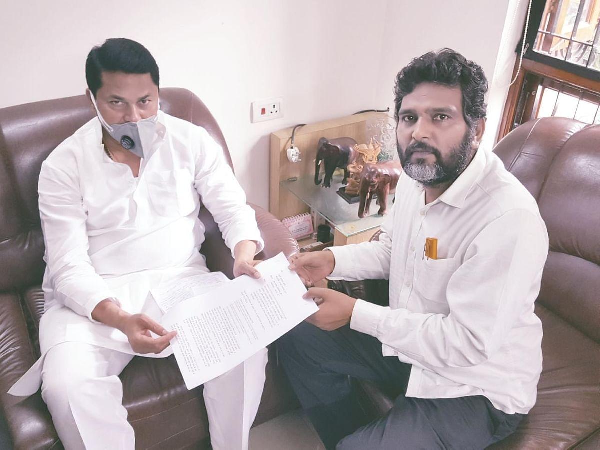 Land scam: TN Governor Purohit captured police land in Nagpur, ex-Maharashtra CM Fadnavis regularised it