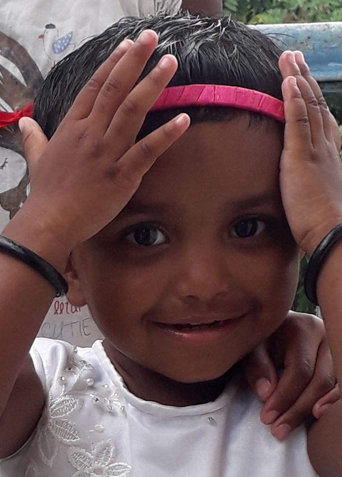 Heart rending story of Adivasi parents who decided to donate the eyes of their 2-year-old daughter