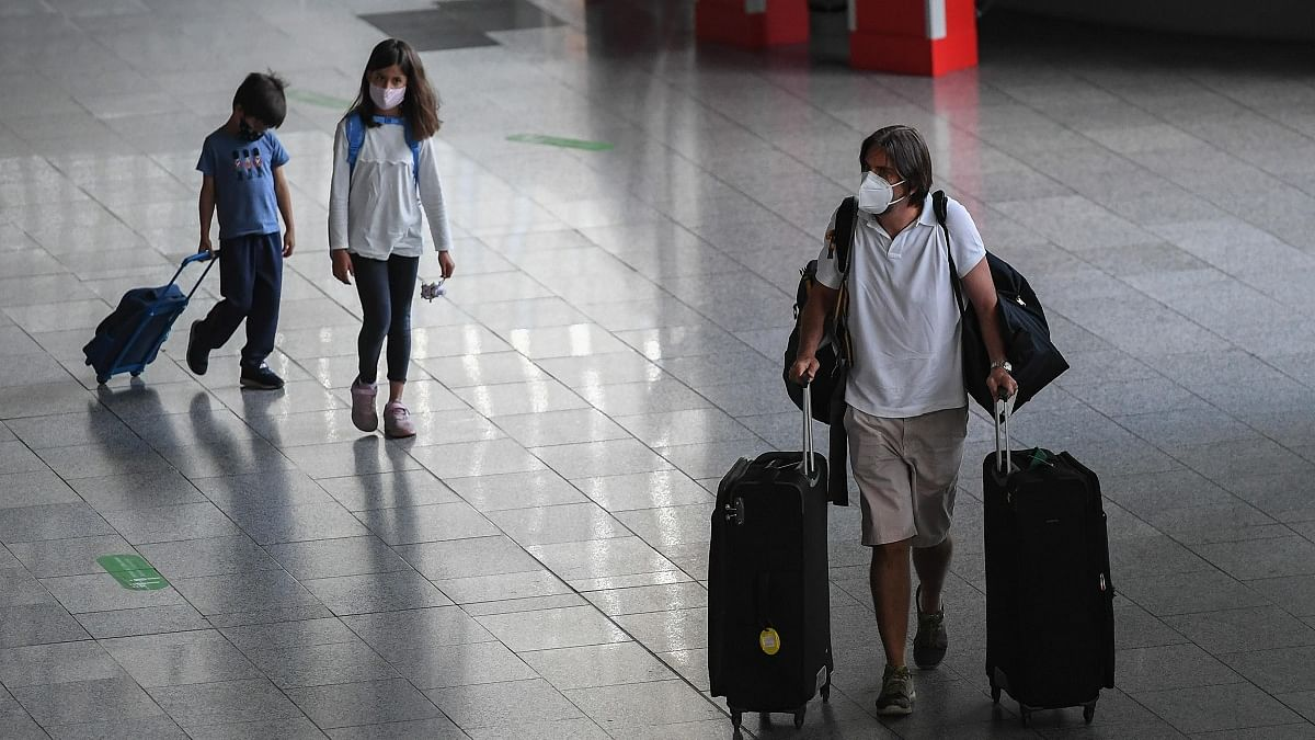Children aged 12 and over should wear masks: WHO