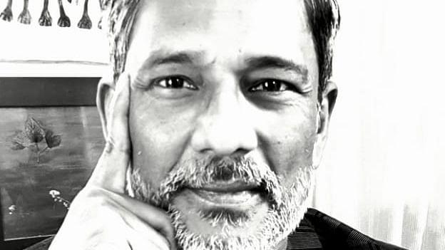 Adil Husain learns how to pedal manual rickshaw for 'Pareeksha'