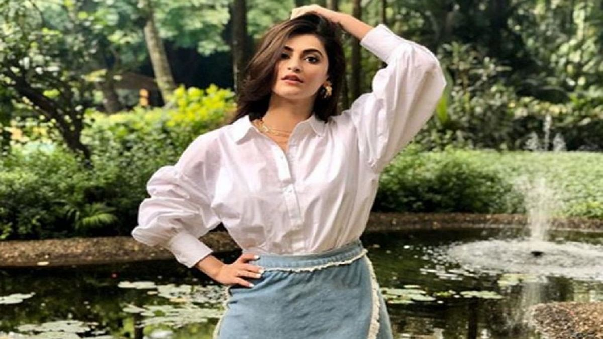 No outsider is rejected in Bollywood if he works hard, says 'Khuda Hafiz' actor Shivaleeka Oberoi