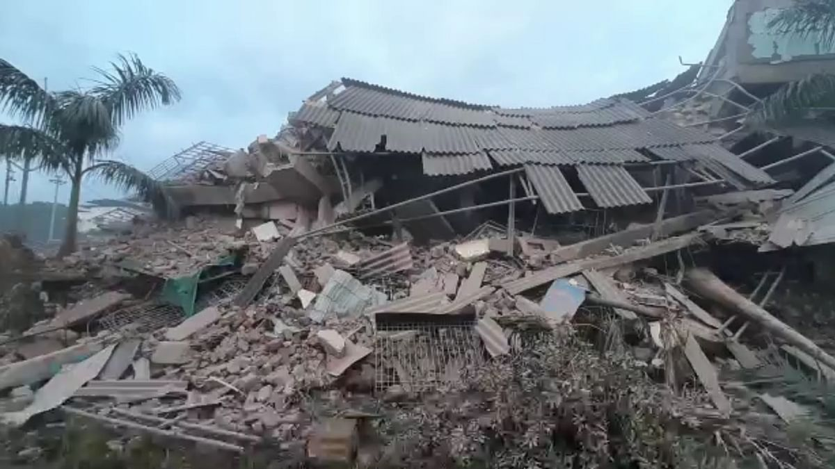 One killed, several injured, 19 missing in house collapse in Maharashtra's Raigad