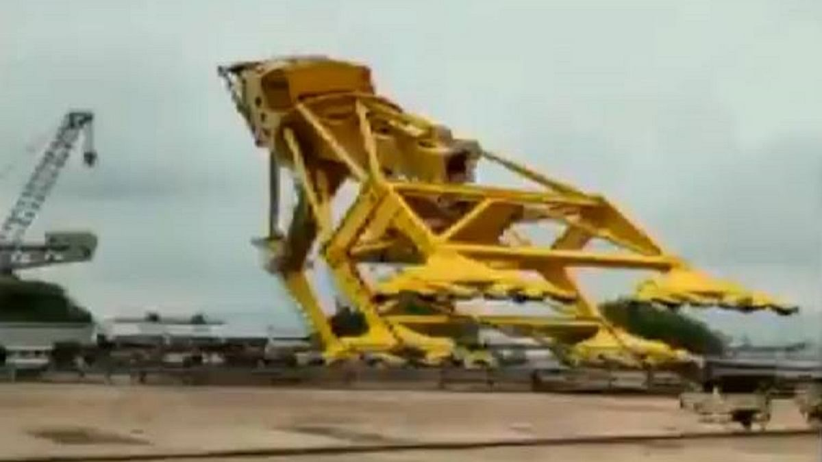 11 killed in Visakhapatnam after crane collapses