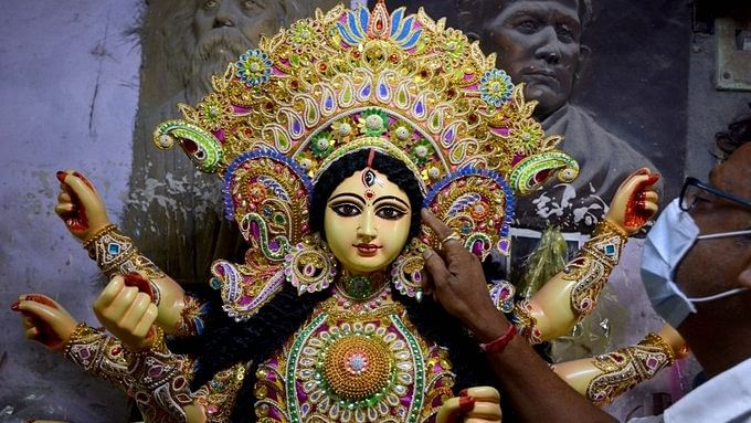 SP, Congress urge Yogi to allow Durga Puja pandals in UP