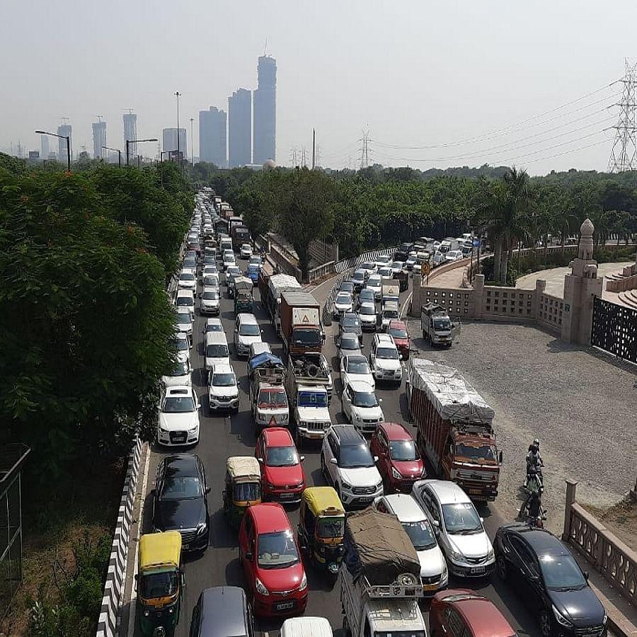 LIVE News Updates: Traffic flow disrupted as farmers reach Delhi's Chilla border