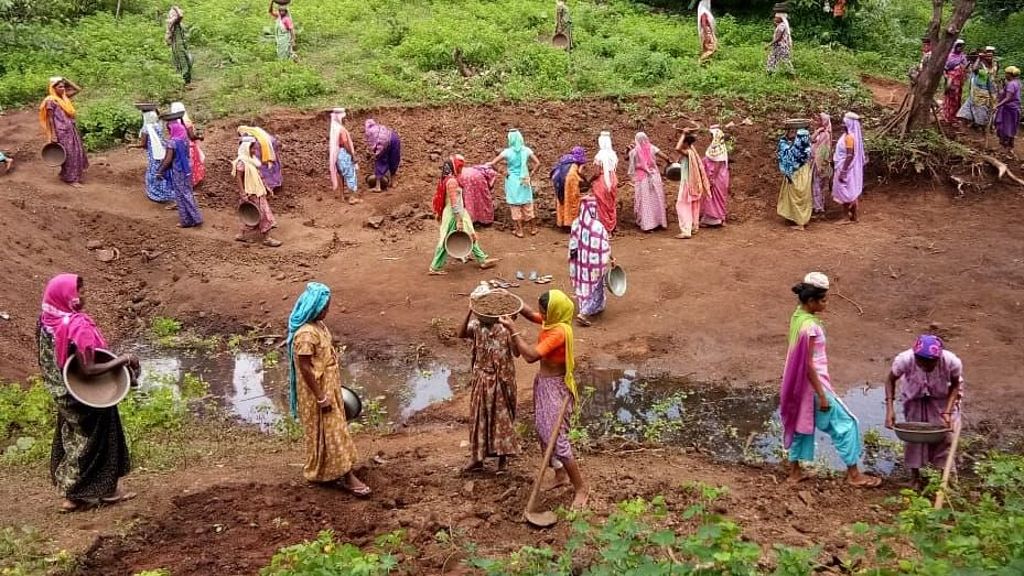 Dead men allotted work under MGNREGA in Gujarat, 'received' Rs 900 per week even during lockdown!