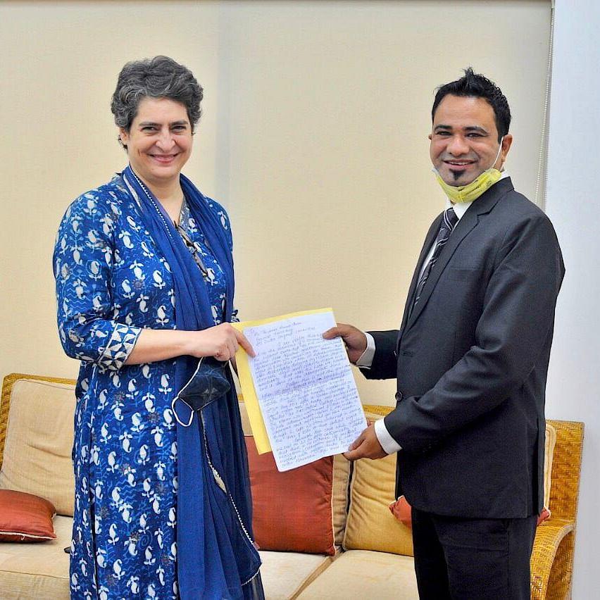 Congree General Secretary Priyanka Gandhi with Dr Kafeel Khan (NH Photo)