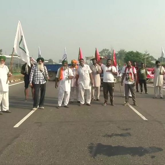 LIVE News Updates: Farmers block Amritsar-Delhi NH  in Jalandhar in protest against Farm Bills