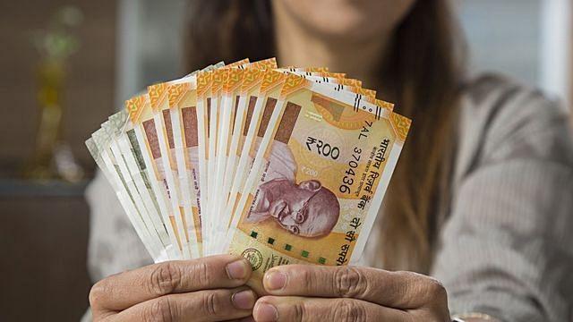 Uttar Pradesh: 16-year-old girl gets Rs 10 crore in bank account 'under Pradhan Mantri Awas Yojana'; probe on