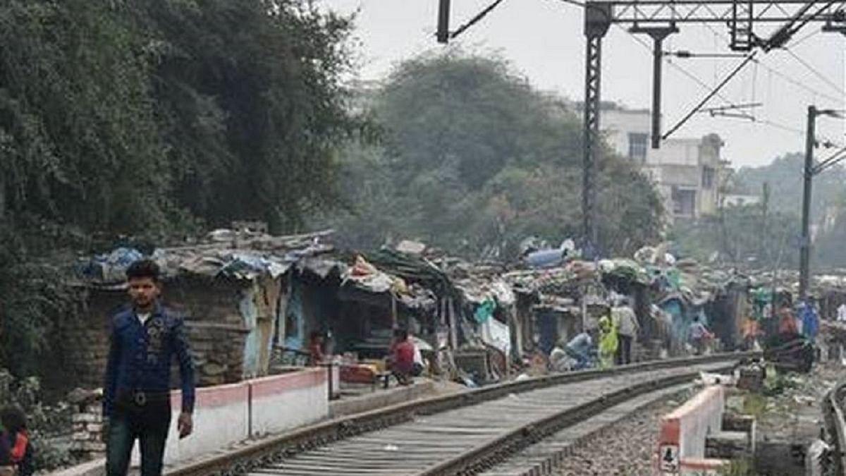 NGO Janhastakshep condemns demolition of thousands of jhuggis along Railway tracks in Delhi
