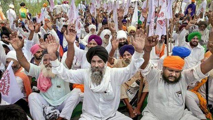 Hundreds of farmers block highways in Punjab, Haryana, protest farm bills