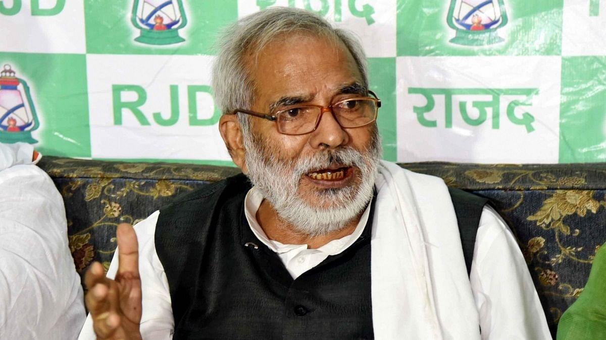 MGNREGA man, veteran socialist & RJD leader Raghuvansh Prasad Singh dies, Rahul Gandhi pays tribute