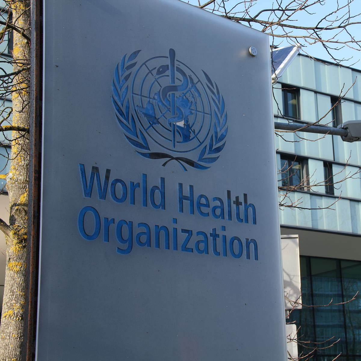 WHO official warns of continued COVID transmission after inoculation