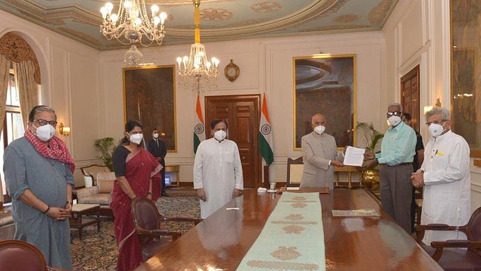 Opposition leaders meet President Kovind to demand judicial enquiry into Delhi riots