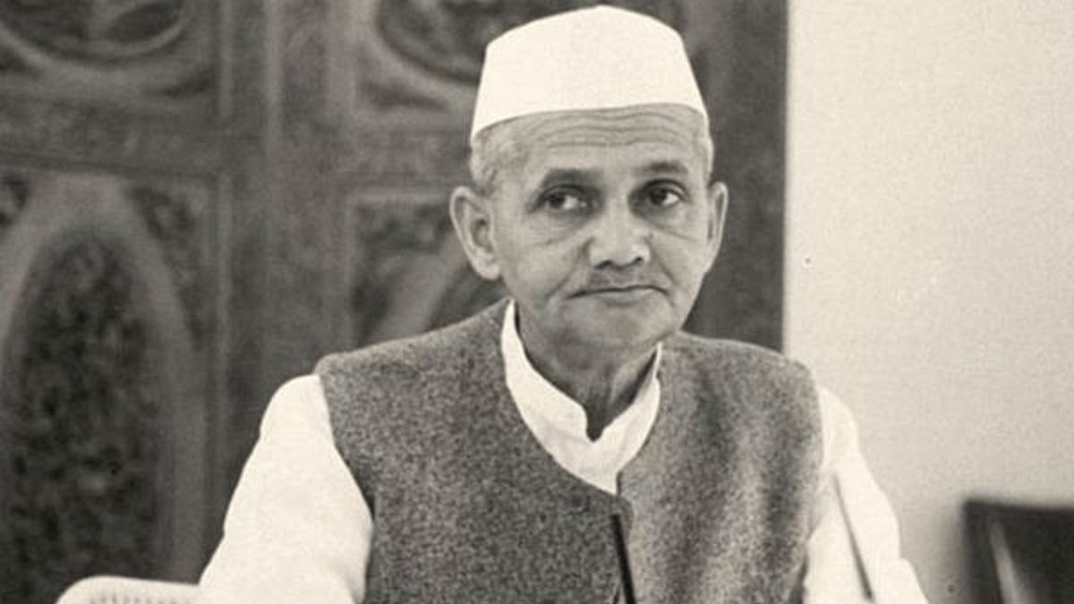 Country pays tribute to former Prime Minister Lal Bahadur Shastri on 116th birth anniversary