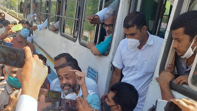 Haryana: Protesting farmers evicted from Sirsa road, Yogendra Yadav among those detained