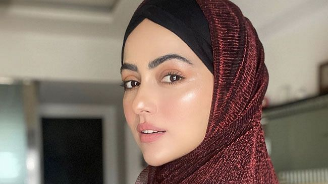 Former Bigg Boss contestant Sana Khan quits entertainment industry to 'serve humanity'