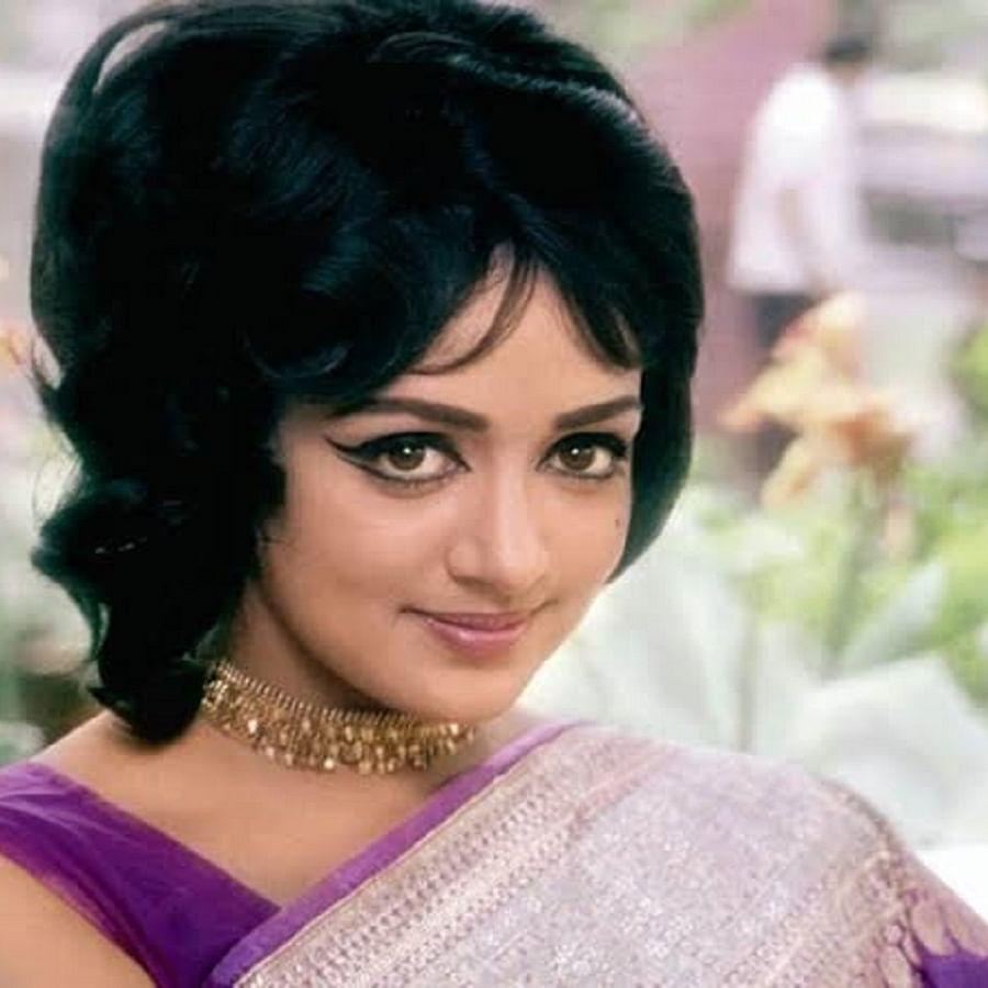 Bollywood actress Hema Malini (Photo Courtesy: Twitter/ @filmyguftgu)