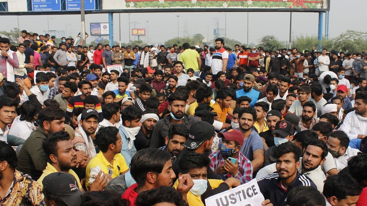 Delhi: Protesters block DND demanding justice for man who committed suicide