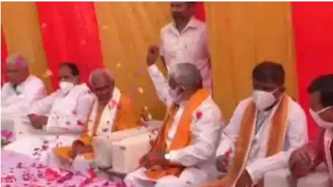 Caught on camera: UP BJP chief showers flower petals on MLA Surendra Singh days after serving him notice