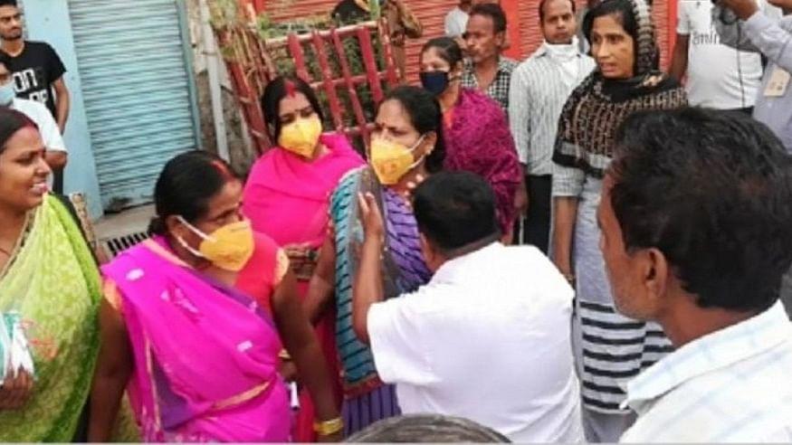 Women raise alarm in Gaya, allege being pressurised to vote for BJP