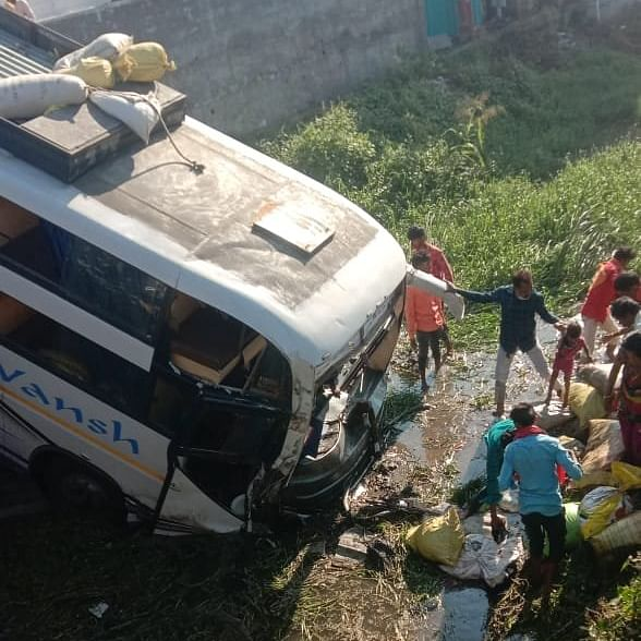 LIVE Updates: Bus full of passengers falls into a canal on the Gondal-Jetpur Highway in Gujarat, 2 injured