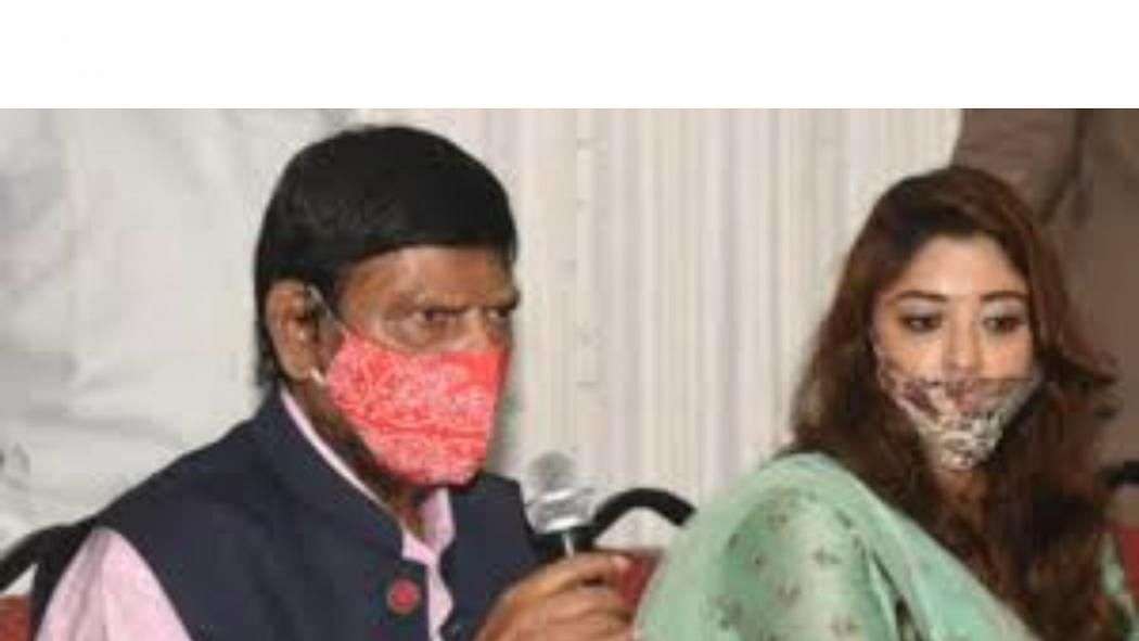 Payal Ghosh who accused Anurag Kashyap of rape joins Athawale's party