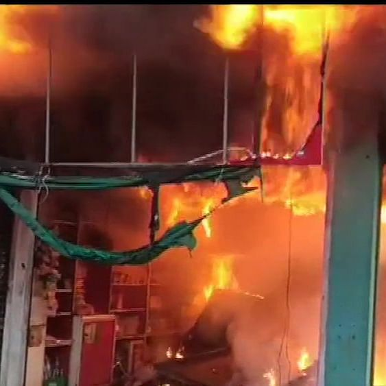 LIVE News Updates: Fire breaks out at two shops in Karnataka