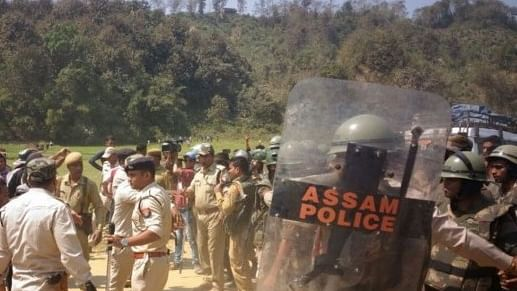 Mizoram refuses to withdraw forces, blockade continues for 3rd day