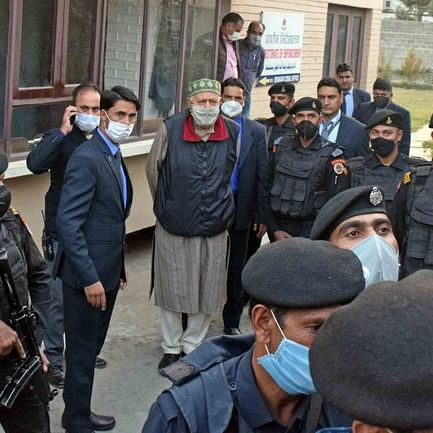 NC chief Farooq Abdullah coming out of ED's office in Srinagar (Courtesy: Twitter/@sp_sharma07)