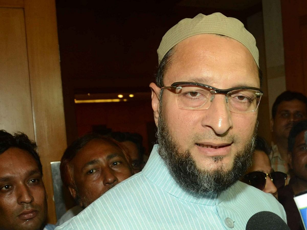 LIVE News Updates: Delhi Court sends 1 accused to one-day Police remand in Owaisi's house vandalisation matter