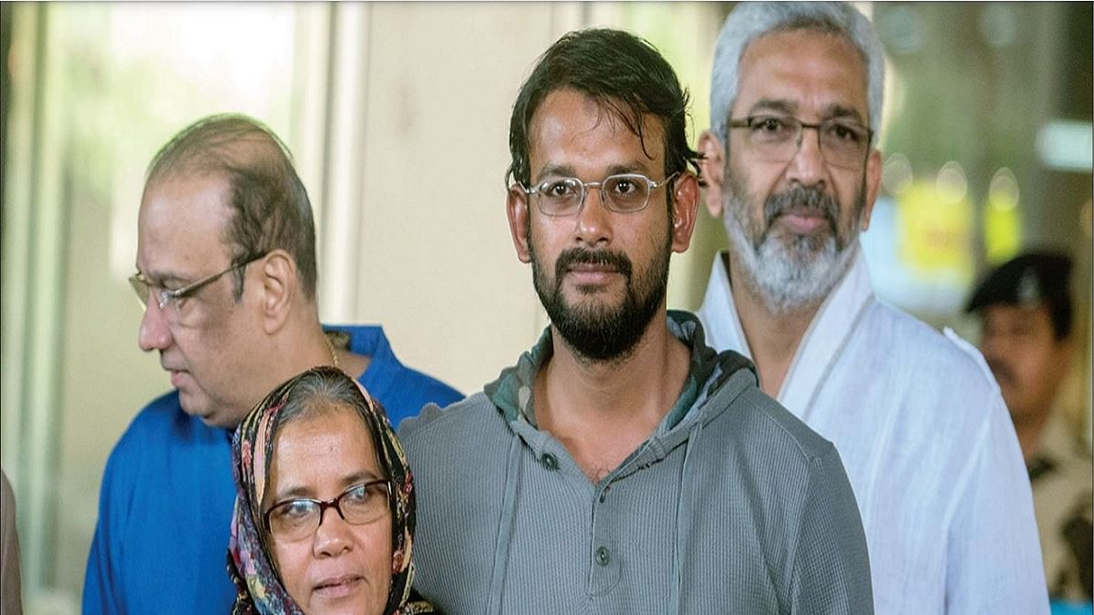An Indian 'spy' in Pakistani Prison: a complicated love story