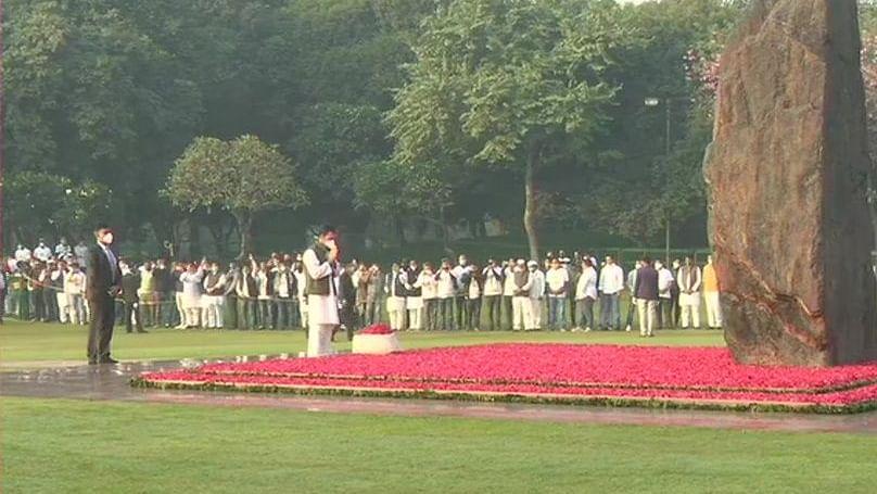 'Trailblazer, Iron lady': Congress leaders pay rich tributes to Indira Gandhi on birth anniversary