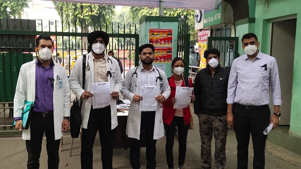AIIMS, LNJP docs wear black ribbon in support of IMA strike call