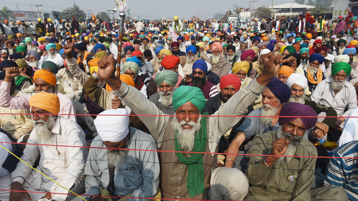 Agitating farmers begin day-long fast, to intensify protest against farm laws
