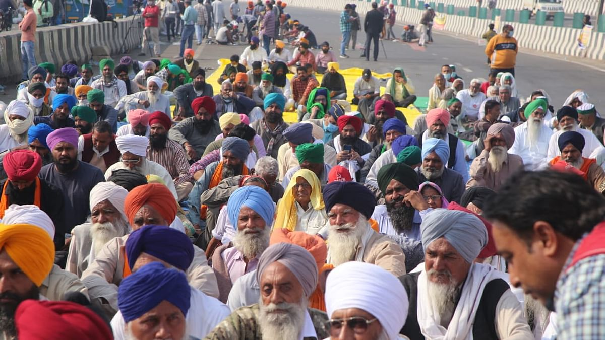 Farmers harden stance, say will 'make' govt repeal farm laws; to block Chilla border on Wednesday