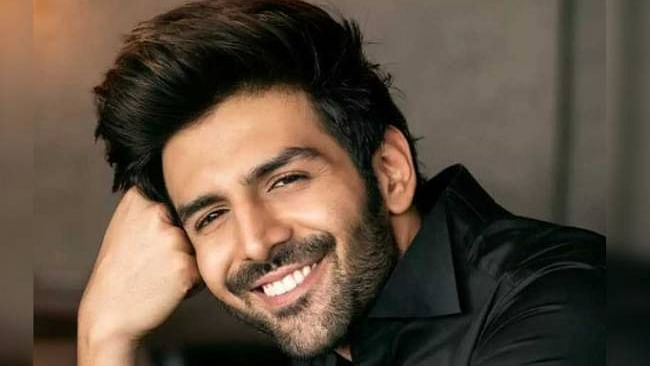 Ajay Bahl signs Kartik Aryan for a social comedy