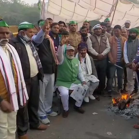 LIVE News Updates: Farmers continue to hold a sit-in protest at Delhi-Noida Link Road against Farm Laws