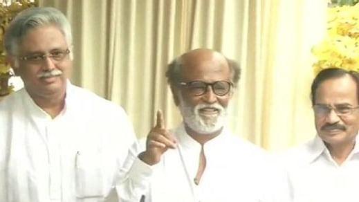 Rajinikanth keeps Tamil Nadu guessing