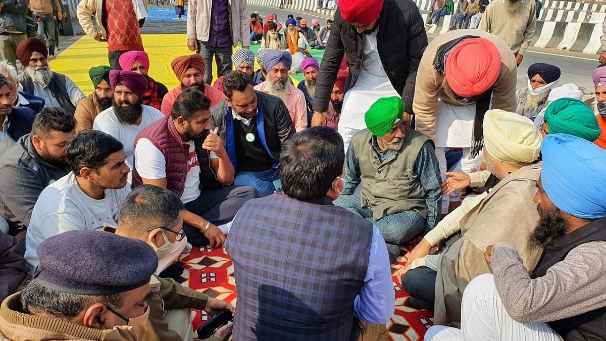 Farmer leader gives 24-hr ultimatum to Ghaziabad administration to resolve grievances