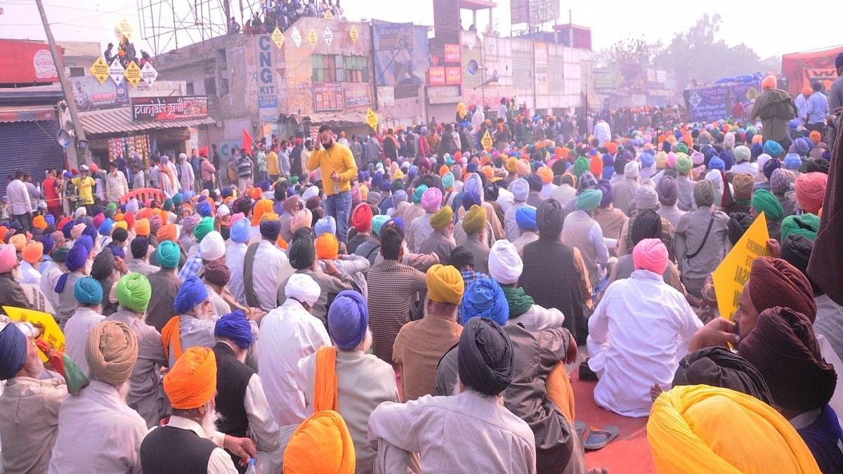 Punjab commission agents go on strike over tax raids