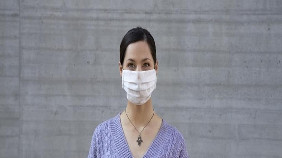 Disposable surgical masks best for making your speech heard