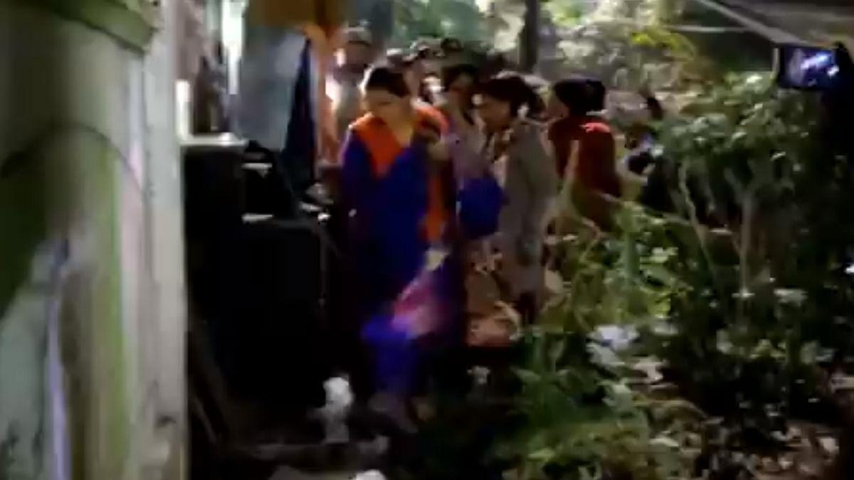 BJP protest outside Kejriwal's house turns violent, CCTV cameras broken